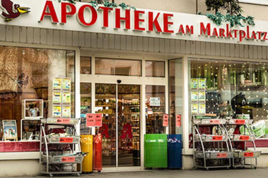 Pelikan-Apotheke am Marktplatz
